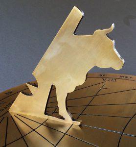 Schaduwwerper met koe op zonnewijzer